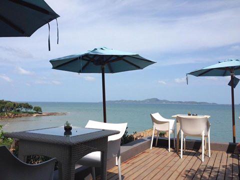 Cosy Beach View Condominium by 415